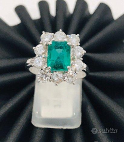 Anello oro 18 kt diamanti e smeraldo naturali (D)