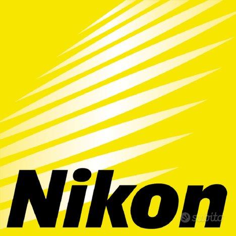 NIKON (obiettivi reflex e materiale vario)