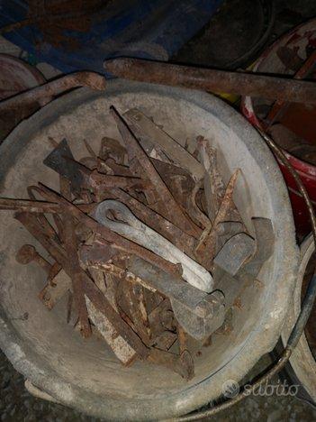 Oggetti in ferro antichi
