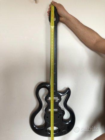 Chitarra elettrica in fibra di carbonio