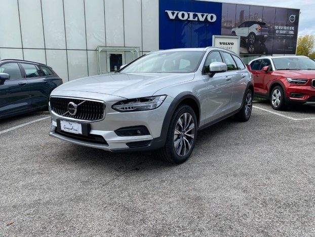 VOLVO V90 Cross Country B5 (d) AWD Geatronic Bus