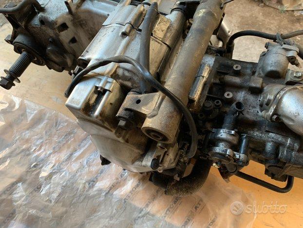 Motore Burgman 400 Xciting 250 300 Triumph 955