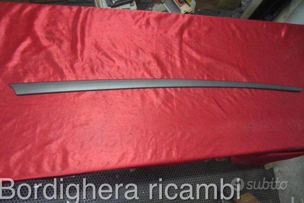 Alfa romeo 75 modanatura fasce parafango anteriore
