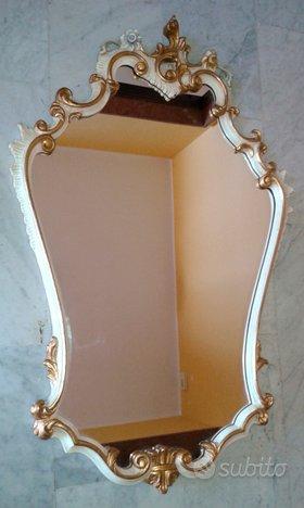 Specchio scolpito da parete stile veneziano