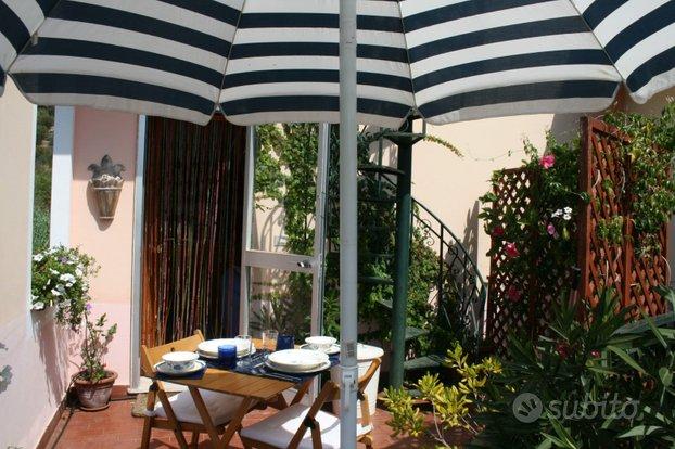 SWEET BLUE, un piccolo paradiso a Celle Ligure