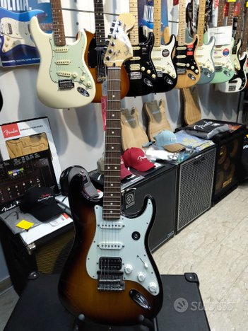 Chitarra Elettrica Fender Stratocaster Deluxe