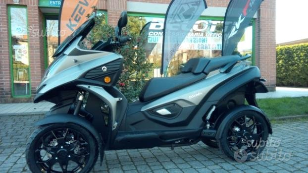 Scooter a 4 ruote