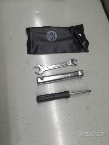 Kit chiavi emergenza moto e scooter