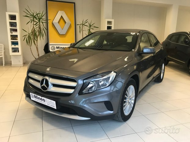 Mercedes-Benz GLA 200 CDI Business Intuition 2015