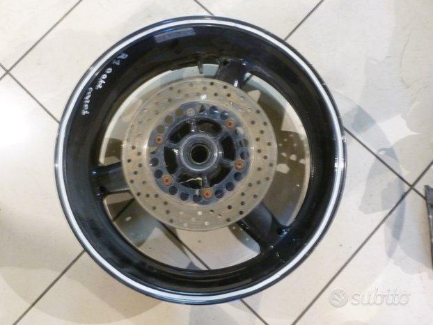 Cerchio posteriore yamaha r1 00-02 cod 201