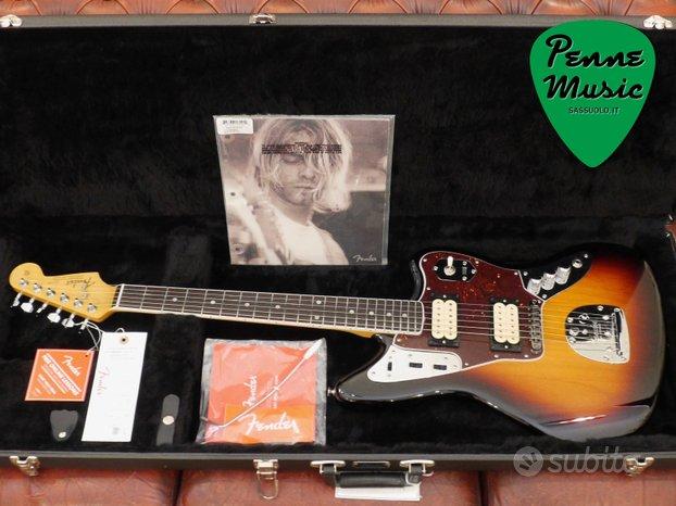 Fender Kurt Cobain Jaguar 3-Color Sunburst