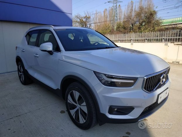 Volvo XC40 T4 Recharge Plug-in Hybrid Inscrip...