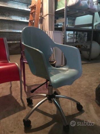 Sedia su ruote da scrivania di design con alzata ...