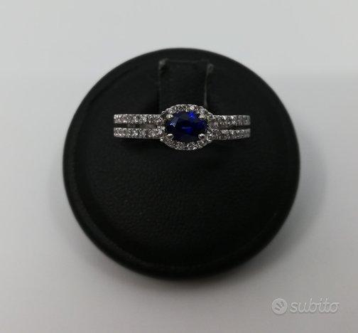 Anello in Oro Bianco e Zaffiro 0,20 ct e Diamanti