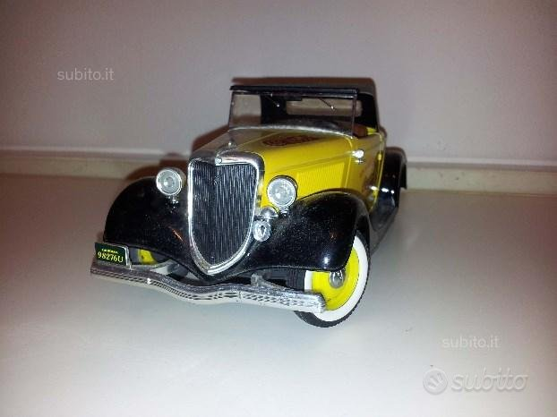Modellino Ford Roadster 1934