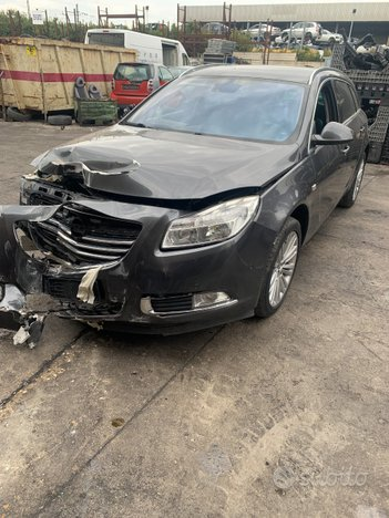 Opel insignia 2.0d - anno 2012 - per ricambi