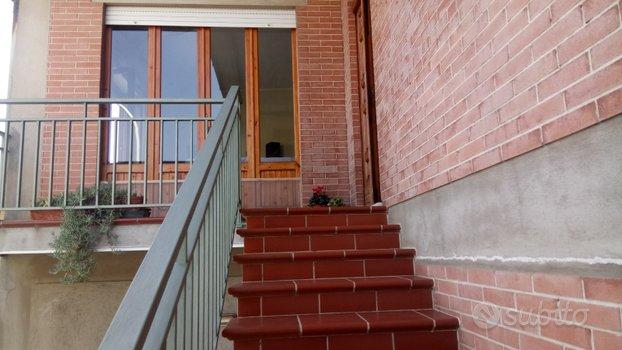 Ampio e luminoso appartamento al piano primo