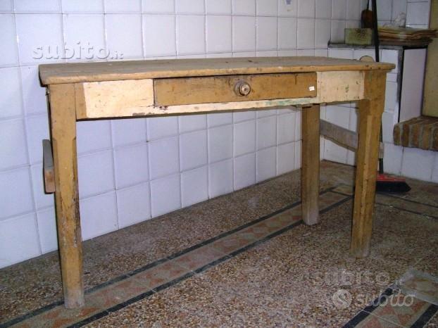 Tavolo vecchio 763