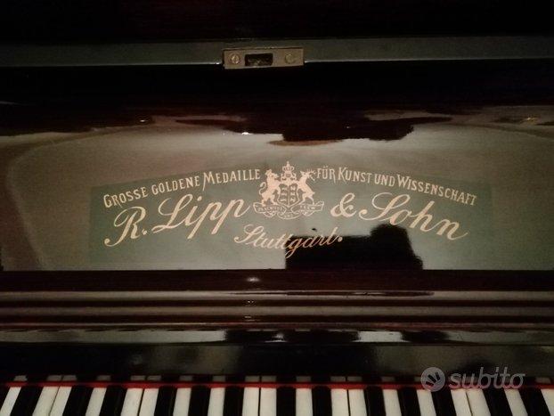 Pianoforte Lipp e John a muro