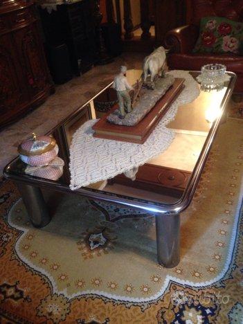 Tavolino design anni 70 di Gianfranco Frattini,Gianfranco FRATTINI
