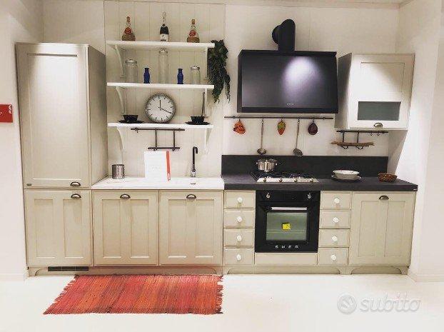 Cucina scavolini mod favilla arredamento e casalinghi for Subito it agrigento arredamento e casalinghi