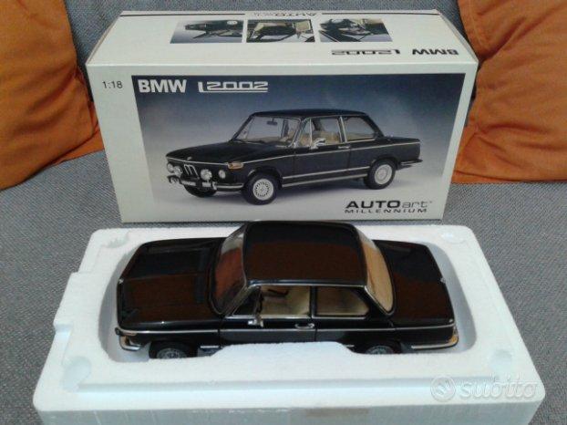 Autoart bmw 2002 scala 1/18
