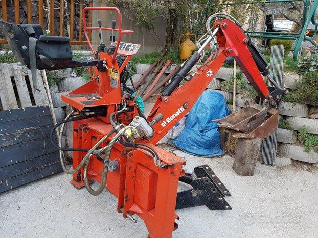 Retro escavatore agricolo Bonatti ret220