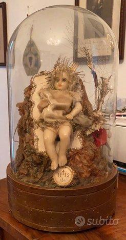 Antica statua Maria Bambina in teca di vetro