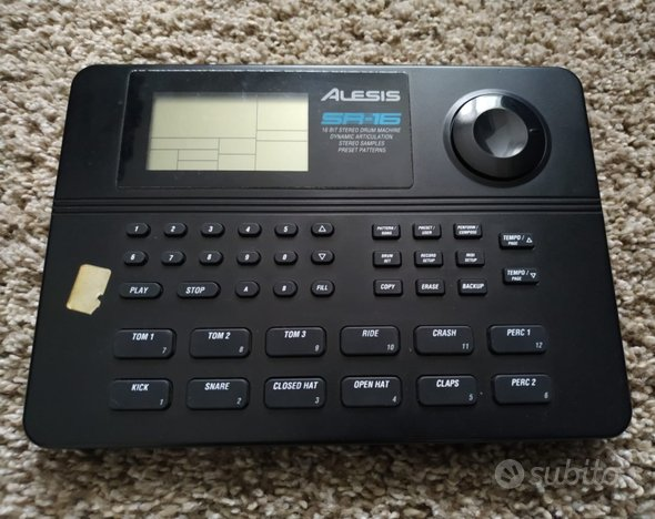 Alesis sr 16 (drum machine)