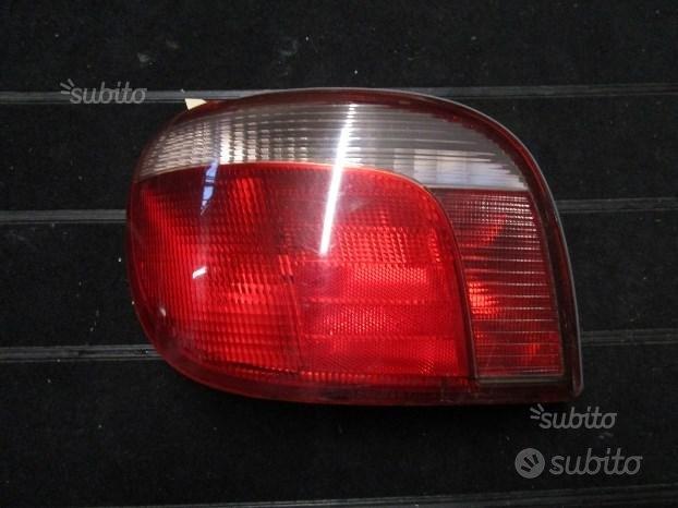 Toyota Yaris 2002 fanale sx - S864
