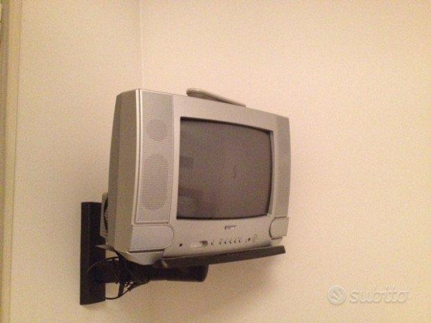 Televisore con tubo catodico