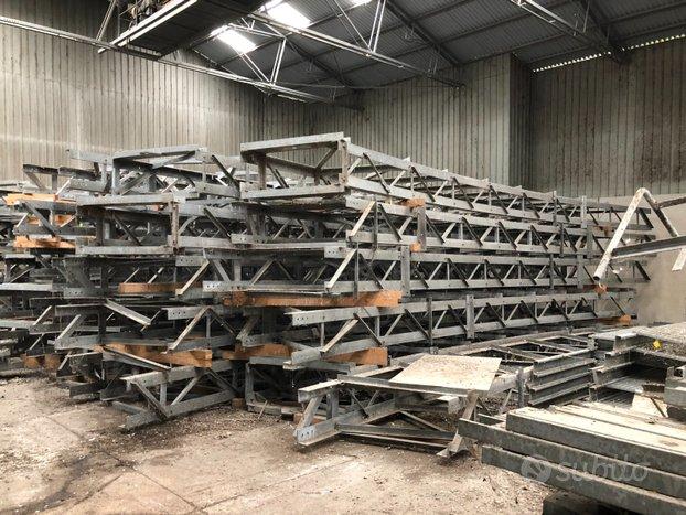 Struttura metallica di capannone per mq 8.150 ca