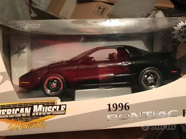 Modellino Pontiac firebird 1996 scala 1:18
