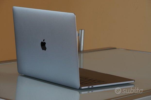 MacBook Pro 15'' - i7, 16GB RAM, 512 SSD (2018)