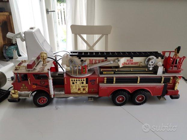 Camion pompieri a filo