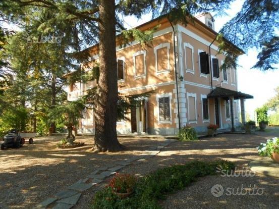 Villa in collina a Valenza (Alessandria)