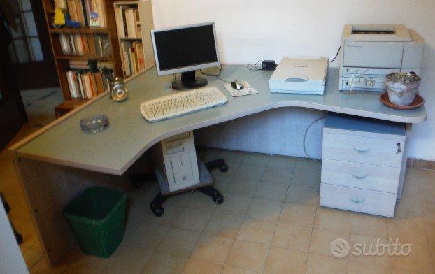 Scrivania angolare da ufficio arredamento e casalinghi for Subito it lazio arredamento e casalinghi