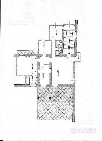 VERCELLI-centro storico alloggio libero mq. 150