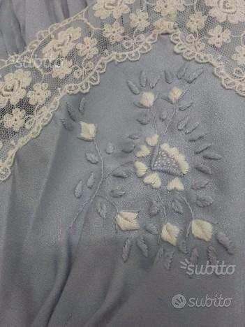 Parure da notte composta da vestaglia e camicia