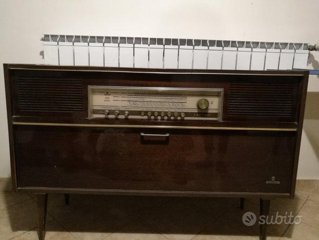 Radio Grundig Modello KONZERTSCHRANK d/St