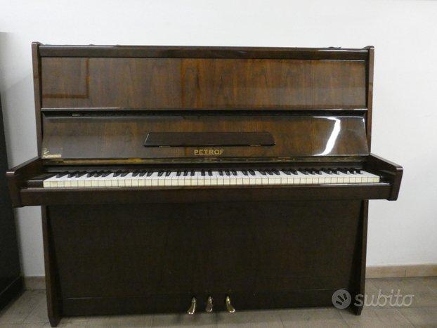 Raro pianoforte PETROF 125 in noce