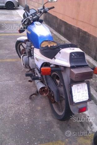 Kawasaki ZXR 400 - 1983