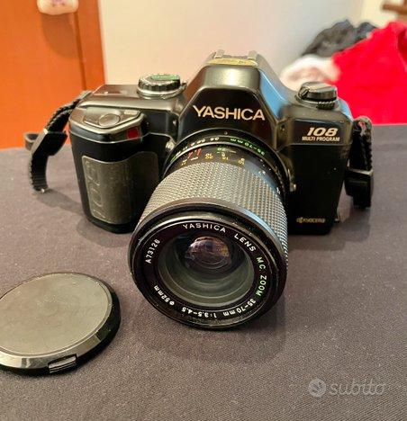 Macchina fotografica reflex Yashica 108