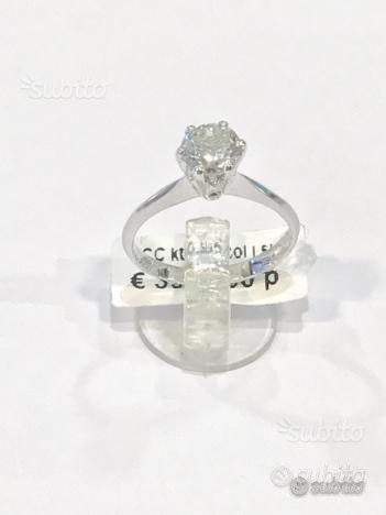Anello solitario oro 18 kt con diamante ct 0.95(i)