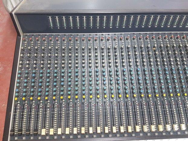 Mixer soundcraft 6000