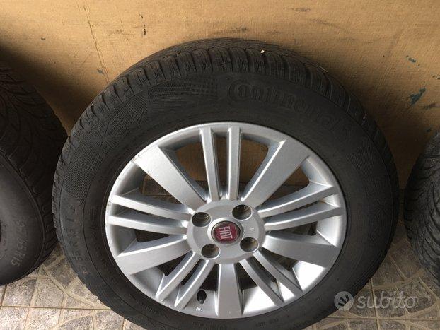 4 Cerchi in lega e gomme Fiat punto 15 pollici