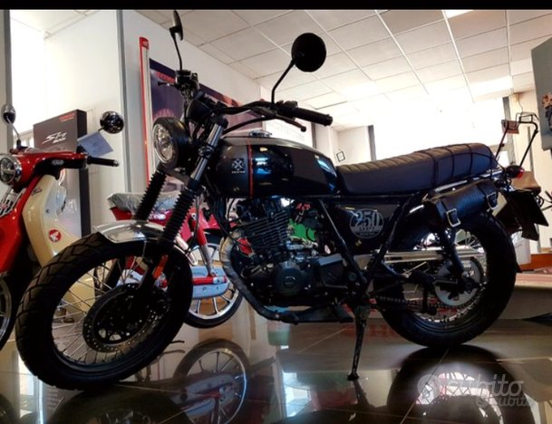 Brixton cromwell 250 tipo cafe racer scrambler