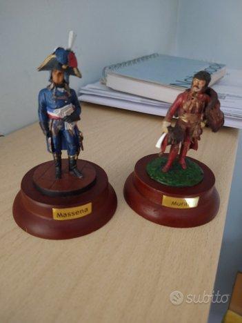 2 Soldatini di piombo DeAgostini con base in legno