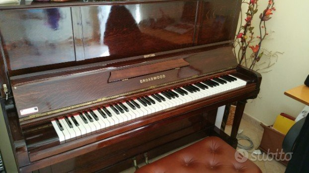 Pianoforte verticale John Broadwood & Sons