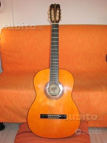 Chitarra acustica Hondo II°